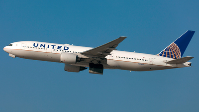 A picture of N775UA - Boeing 777222 - United Airlines - © William Vignes