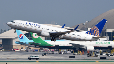 A picture of N24202 - Boeing 737824 - United Airlines - © Rocky Wang