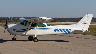 A picture of N6665G - Cessna 172N Skyhawk - [17273612] - © Jake Simpson