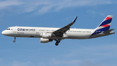 PT-XPB - Airbus A321-211 - LATAM Airlines