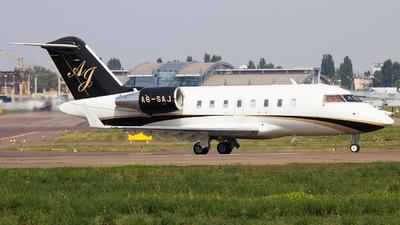 A6-SAJ - Bombardier CL-600-2B16 Challenger 605 - Gulfwings