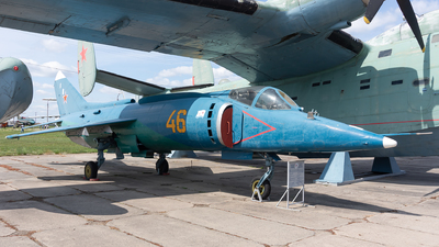 46 - Yakovlev Yak-38 Forger - Soviet Union - Air Force