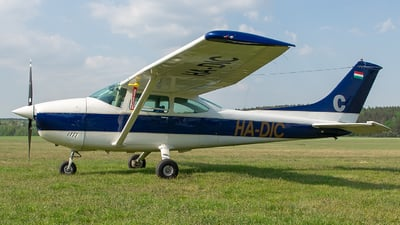 HA-DIC - Cessna 182P Skylane - Private