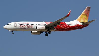 VT-AXH - Boeing 737-8HJ - Air India Express
