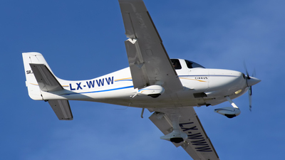 LX-WWW - Cirrus SR22-G2 - Private