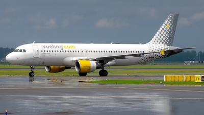 EC-KLT - Airbus A320-216 - Vueling