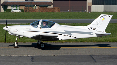 F-JSWV - Alpi Pioneer 300STD - Private