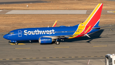 A picture of N555LV - Boeing 7377BD - Southwest Airlines - © ne.planespotter