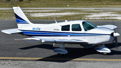 VH-ITW - Piper PA-28-140 Cherokee Cruiser - Private
