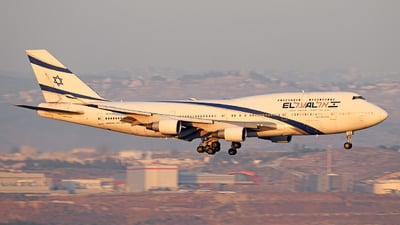 A picture of 4XELB - Boeing 747458 - [26056] - © david daniel