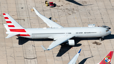 N349AN - Boeing 767-323(ER) - Untitled
