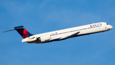 N925DN - McDonnell Douglas MD-90-30 - Delta Air Lines