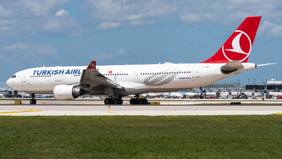A picture of TCJNB - Airbus A330203 - Turkish Airlines - © bill wang
