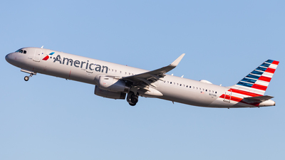 A picture of N117AN - Airbus A321231 - American Airlines - © Brandon Giacomin