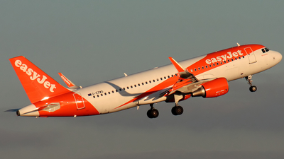 G-EZWG - Airbus A320-214 - easyJet