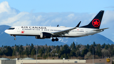 A picture of CGEIV - Boeing 737 MAX 8 - Air Canada - © Chung Kwok