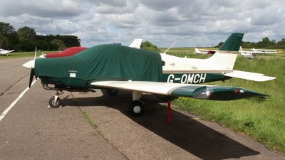 G-OMCH - Piper PA-28-161 Warrior III - Private