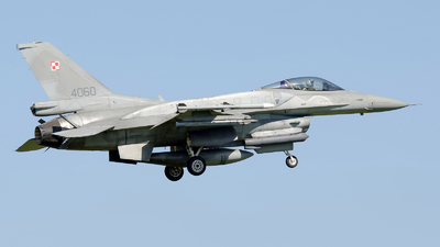 4060 - Lockheed Martin F-16C Fighting Falcon - Poland - Air Force
