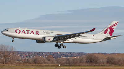 A picture of A7AEE - Airbus A330302 - Qatar Airways - © Schmidt Attila