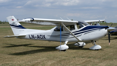 LN-AOX - Cessna 182T Skylane - Private