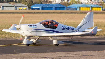 SP-RWH - Aero AT-3 R100 - Runway - Pilot School