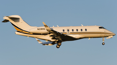 N29HG - Bombardier BD-100-1A10 Challenger 350 - Private
