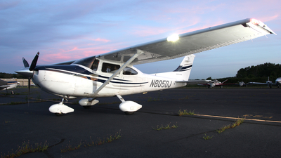 N8050J - Cessna 182T Skylane - Private