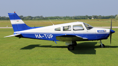 HA-TUP - Piper PA-28-161 Cherokee Warrior II - Tréner