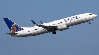 A picture of N73270 - Boeing 737824 - United Airlines - © Brian T Richards