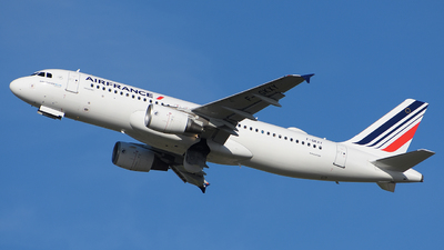 A picture of FGKXY - Airbus A320214 - Air France - © Luca Cesati