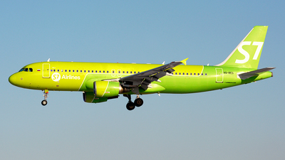 A picture of VQBES - Airbus A320214 - S7 Airlines - © Fedor Kabanov