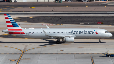 A picture of N426AN - Airbus A321253NX - American Airlines - © 702Aviationn