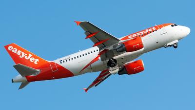 A picture of GEZDK - Airbus A319112 - easyJet - © Varani Ennio