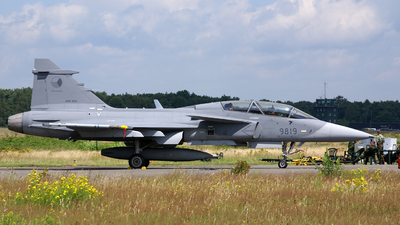 9819 - Saab JAS-39D Gripen - Czech Republic - Air Force