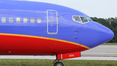 N658SW - Boeing 737-3L9 - Southwest Airlines