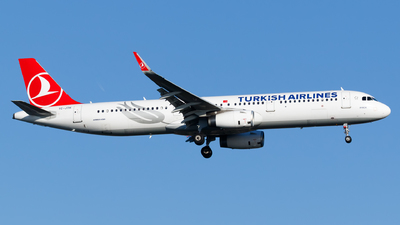 TC-JTH - Airbus A321-231 - Turkish Airlines