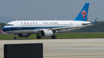 A picture of B301J - Airbus A320251N - China Southern Airlines - © JohnMPeng