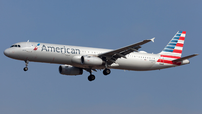 A picture of N915US - Airbus A321231 - American Airlines - © William Vignes