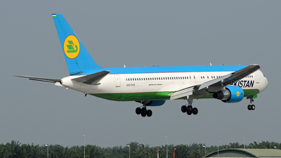 UK67006 - Boeing 767-33P(ER) - Uzbekistan Airways