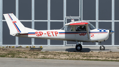 SP-ETP - Reims-Cessna F150J - Private