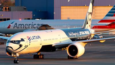 PT-MUA - Boeing 777-32WER - LATAM Airlines