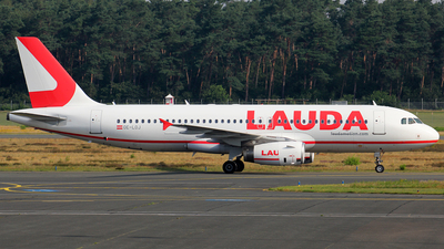 A picture of OELOJ - Airbus A320232 - Laudamotion - © Christian Weber