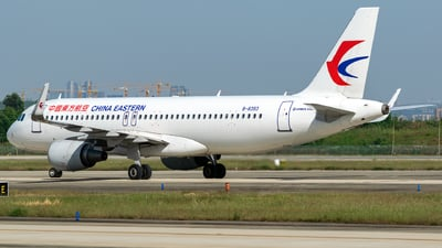 B-8393 - Airbus A320-214 - China Eastern Airlines