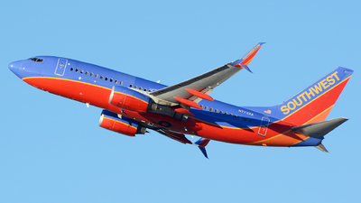 N7732A - Boeing 737-7BD - Southwest Airlines