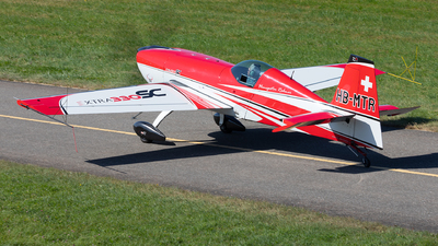 HB-MTR - Extra 330SC - Private