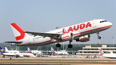 9H-LOO - Airbus A320-214 - Lauda Europe