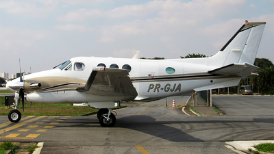 PR-GJA - Beechcraft 90 King Air - Private