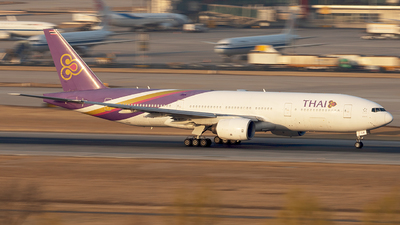 HS-TJB - Boeing 777-2D7 - Thai Airways International