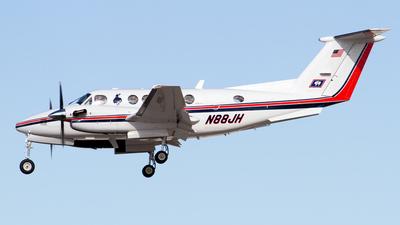 A picture of N88JH - Beech King Air 200 - [BB1331] - © Sebastian Sowa