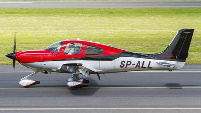A picture of SPALL - Cirrus SR22T - [0968] - © Bartosz Szablewski
